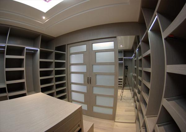 Vestidores y closets for Cuanto cuesta un closet de madera en mexico